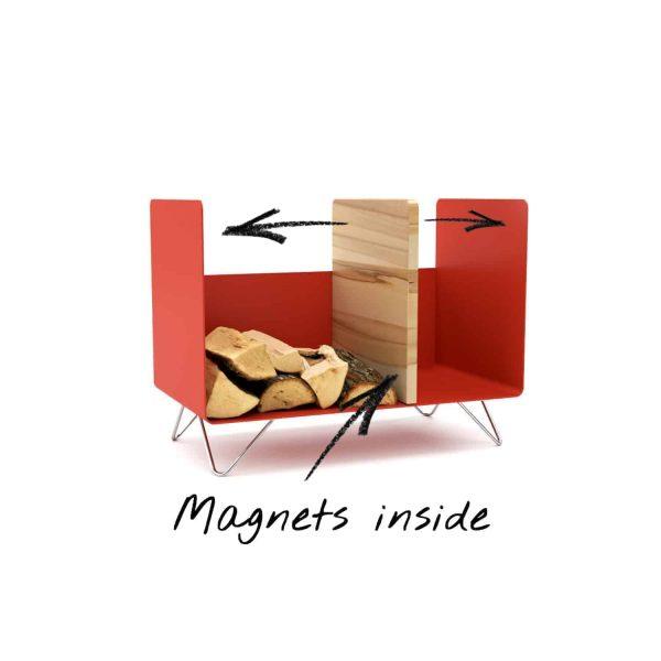 kaminholzregal-innen-brennholzregal-holzaufbewahrung-metall-design-modern-holz-aufbewahrung-kaminholz-brennholz-stahl-rot-edelstahl-buche-magnets-inside-magic-2-neu