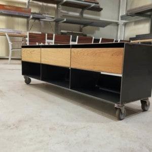lowboard-sideboard-tv-lowboard-tv-board-tv-moebel-holz-schwarz-eiche-massivholz-grau-design-modern-mit-rollen-classic-039
