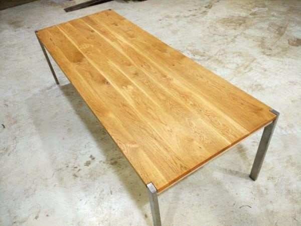 tisch-esstisch-gartentisch-küchentisch-esszimmertisch-holztisch-holz-design-massivholz-eiche-modern-edelstahl-ferrum-001