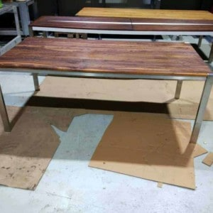 tisch-esstisch-gartentisch-küchentisch-esszimmertisch-holztisch-holz-design-massivholz-nussbaum-modern-edelstahl-ferrum-002