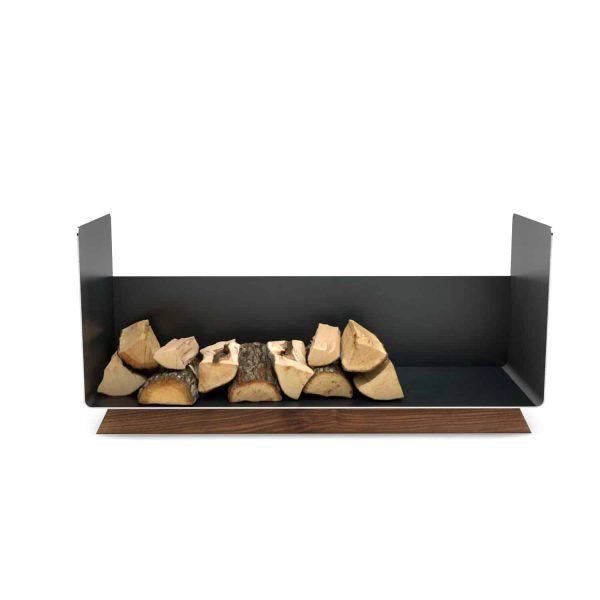 kaminholzregal-innen-metall-wohnzimmer-modern-design-brennholzregal-holz-nussbaum-stahl-elegant-kaminholz-aufbewahrung-schwarz-grau-simply-timeless-13