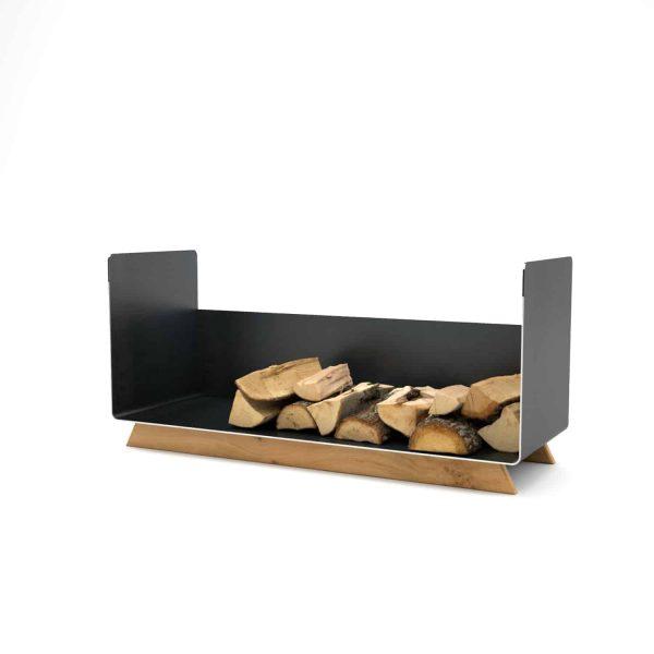 kaminholzregal-innen-wohnzimmer-metall-modern-design-holz-eiche-stahl-elegant-kaminholz-aufbewahrung-brennholzregal-schwarz-simply-timeless-10
