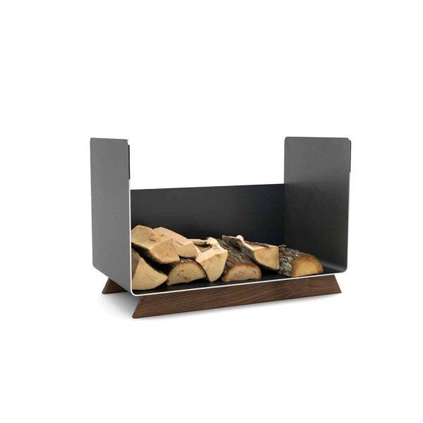 kaminholzregal-innen-wohnzimmer-metall-modern-design-holz-nussbaum-stahl-elegant-kaminholz-aufbewahrung-brennholzregal-schwarz-simply-timeless-8