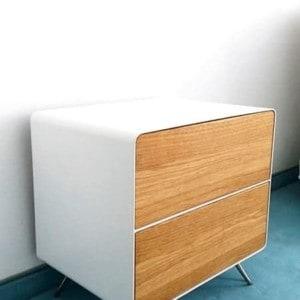 nachttisch-weiß-holz-eiche-metall-design-modern-massivholz-wildeiche-mit-schubladen-stella