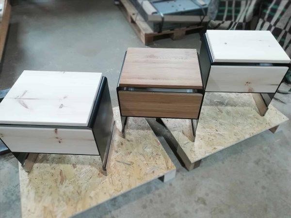 nachttisch-nachtkaestchen-schwarz-holz-metall-modern-design-massivholz-mit-schublade-nachtkommode-zirbe-stahl-designer-mystery