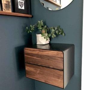 nachttisch-schwarz-grau-haengend-holz-metall-modern-design-massivholz-nussbaum-mit-schubladen-interior-designer-fly-high-5