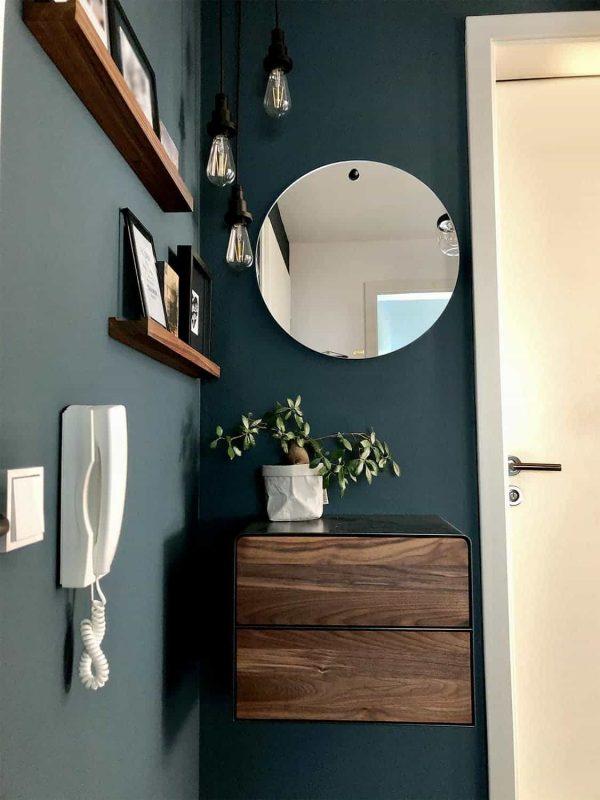 nachttisch-schwarz-grau-haengend-holz-metall-modern-interior-design-massivholz-nussbaum-mit-schubladen-fly-high-5