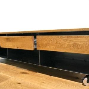 lowboard-schwarz-grau-holz-eiche-metall-modern-design-tv-moebel-wohnzimmer-auf-rollen-mit-schubladen-stahl-schwarzstahl-minimalistisch-stahlzart
