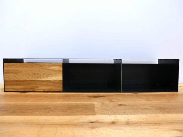 lowboard-tv-holz-schwarz-eiche-grau-massivholz-industrial-design-metall-modern-designer-wildeiche-industriedesign-stahl-minimalistisch-stahlzart