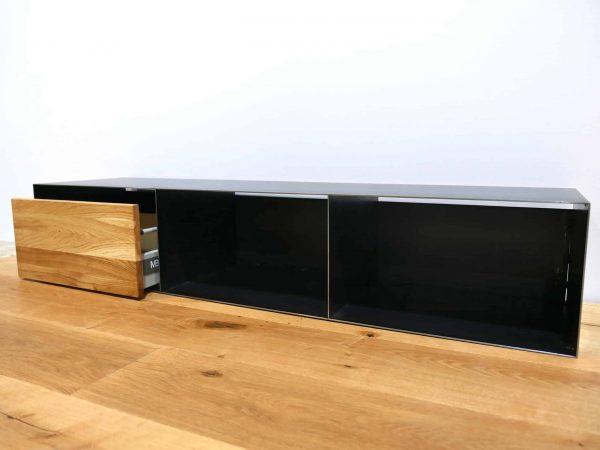 lowboard-tv-holz-schwarz-eiche-grau-massivholz-industrial-design-metall-modern-designer-wildeiche-industriedesign-stahl-mit-soft-close-schublade-stahlzart