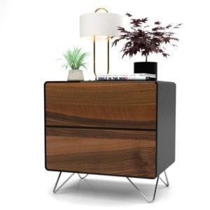 nachttisch-schwarz-holz-metall-modern-design-industrial-massivholz-mit-schubladen-nussbaum-designer-mit-hairpin-fuessen-stella-stahlzart