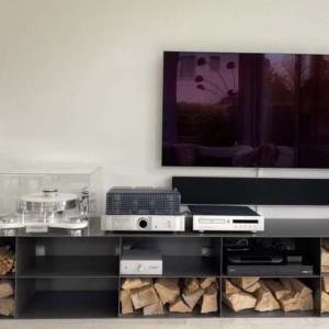 design-lowboard-gebraucht-grau-metall-modern-design-industrial-wohnzimmer-minimalistisch-fuer-tv-kaminholz-aufbewahrung-hifi-geraete-stahlzart-infinity-lifeloop