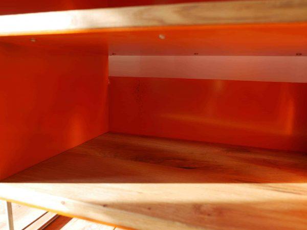 tv-sideboard-holz-eiche-metall-modern-design-industrial-sichtbare-handgemachte-schweiss-spuren-2