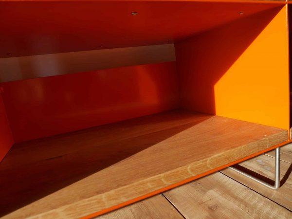 tv-sideboard-holz-eiche-metall-modern-design-industrial-sichtbare-handgemachte-schweiss-spuren