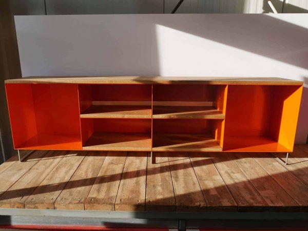 tv-sideboard-holz-eiche-metall-modern-design-industrial-style-industriedesign-massivholz-wildeiche-designmoebel-orange-stahl-minimalistisch-wohnzimmer-stahlzart