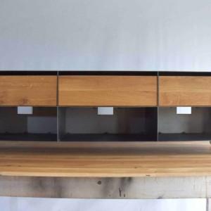 tv-sideboard-schwarz-grau-holz-eiche-metall-modern-design-industrial-massivholz-wildeiche-mit-schubladen-auf-rollen-stahl-aluminium-stahlzart-now-b-ware